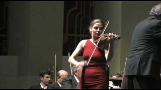 Violinist, Lindsay Deutsch plays There