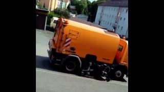 Almaniya HOFseheri.. zibilin hormetine bax