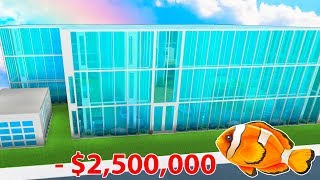 I Built A Huge AQUARIUM Mansion In Bloxburg! (Roblox)