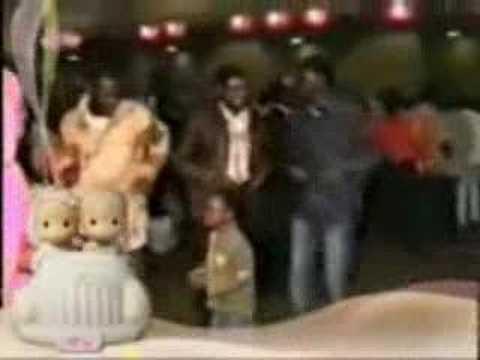Hanan Blublu singing in Libya