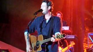 blake shelton some beach live