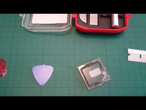 Delidding Intel i5 8600k with razor blade (no delidding tool)