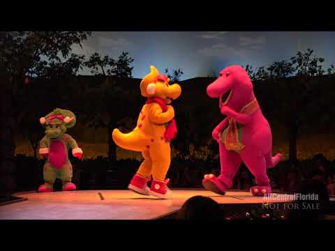 A Holiday in the Park with Barney! | Universal Orlando Resort 4K