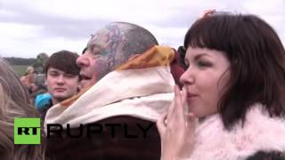 UK: Pagans, Druids and Witches gather at Stonehenge for Winter Solstice