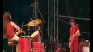 The White Stripes - Astro, Jack The Ripper. Glastonbury 2002. 10/16