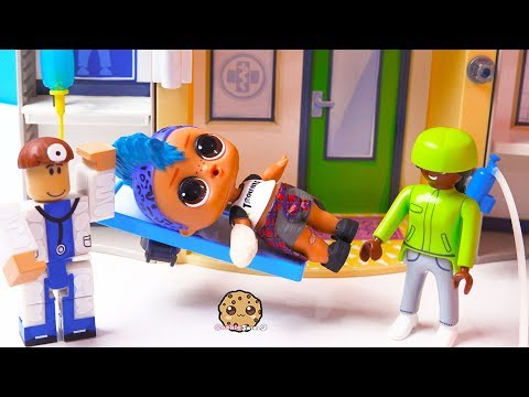 Roblox Fake Doctor At Hospital ! Playmobil + LOL Surprise Punk Boi Play Video