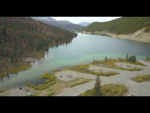 Summit Lake mit Campground am Alaska Highway - British Columbia - aus der Luft / von oben