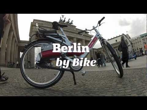 Berlin by Bike: Mitte, Alexanderplatz, Brandenburger Tor (Travel Videoblog 022)