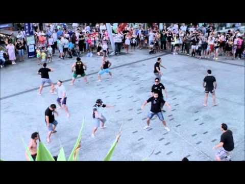 Flash Mob Haka Queen st Mall, Brisbane
