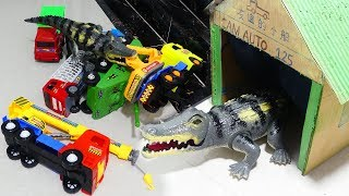 Wow! Biggest Crocodiles Attack Cars for kids | Toys Kids Video