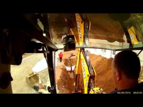 JCB contractor pro Digging track for filter drain
