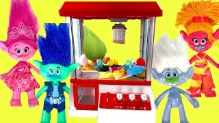 Trolls Movie Poppy Branch Play The CLAW Machine for Toys Surprises & Save Fuzzbert
