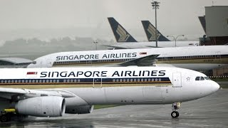 Singapore Airlines JET loses Power in a Storm