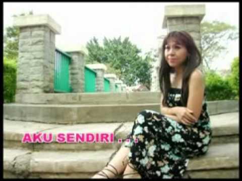Ratih Purwasih - Kau Tercipta Bukan Untukku [Official Music Video]