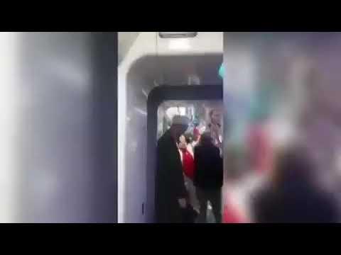 Cübbeli Gence Metroda 100 Yıl Marşı İle Taciz