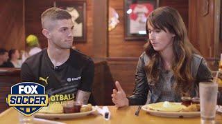 Christian Pulisic tries chicken and waffles ahead of LAFC-Dortmund clash | FOX SOCCER