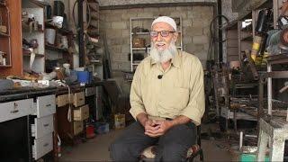 صاحب ورشة حدادة: صنعت 1850 طرفا اصطناعية في سوريا
