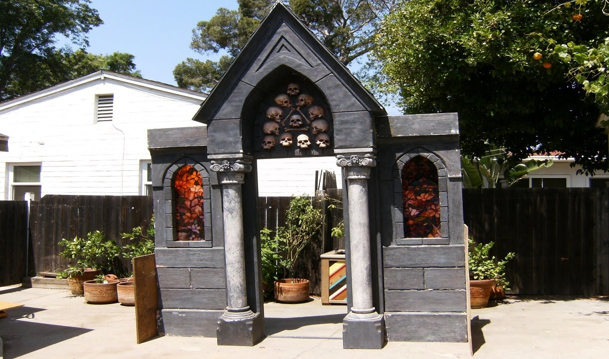 Build A Halloween Mausoleum Facade Spooky Cemetery