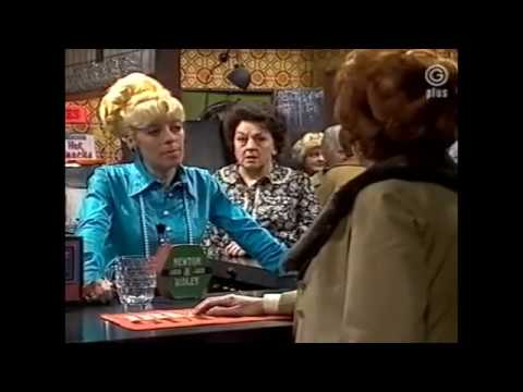 Elsie Tanner and Bet Lynch slanging match (24 March 1980)