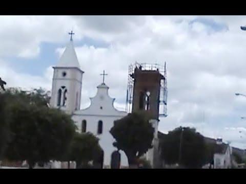 BROTAS DE MACAÚBAS: DOCUMENTÁRIO DA SEGUNDA TORRE DA IGREJA