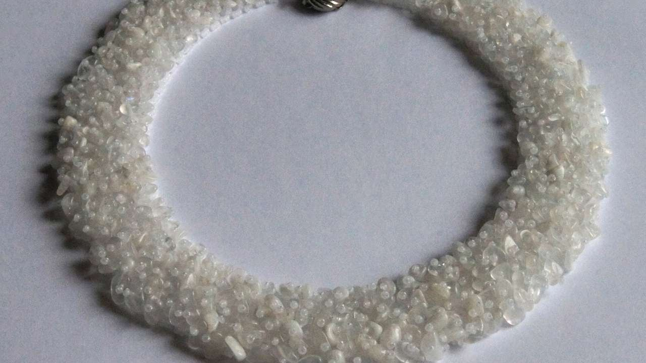 How To Make Beaded Snow Queen Necklaces - DIY Crafts Tutorial ...