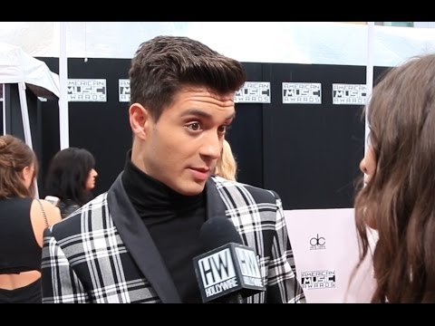 Gabriel Conte Gushes Over Getting Engaged! (AMAs Red Carpet)