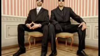 Spezializtz - Killerkombo feat. Moses Pelham