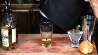 How To Make A Rusty Nail - Cocktail Tutorial - Cocktails U
