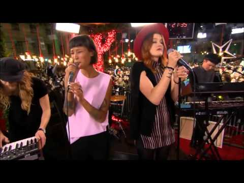 Icona Pop - First Time (Live @ Musikhjälpen 2015)