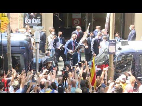 شاهد: متظاهرون مؤيدون لانفصال كاتالونيا يتظاهرون خارج مبنى أوبرا برشلونة …  - 22:56-2021 / 6 / 21