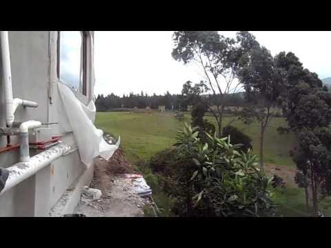 Poceros del Ecuador   Instalación de una bomba sumergible para una cisterna. thumbnail