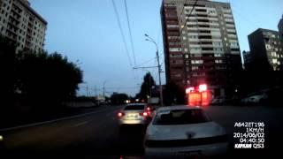 Остановка без причины признак дурачины ИДПС 2-253(Инспектора на видео тормознули меня на ул.Фрунзе, причем обратите внимание они стоят на остановке, тачки..., 2014-06-04T00:01:14.000Z)