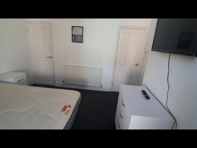 Large Double Room Available in 5 Bed house Main Photo