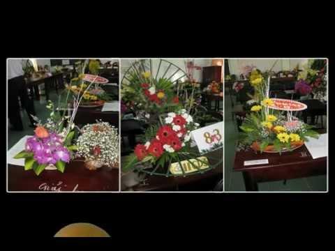 Trường THPT Vũng Tàu - 8/3 HS thi cắm hoa tặng thầy cô.