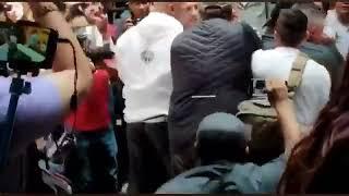 Carlos Trejo golpea en la cara a Alfredo Adame con una botella