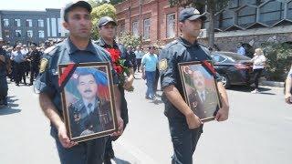 Gəncə - şəhid olan polis zabitləri dəfn olunub