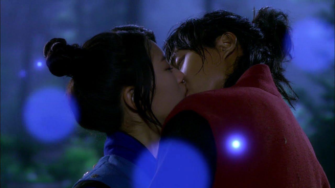 Download 【TVPP】Lee Seung Gi - First kiss with Suzy, 이승기 - 강치(승기)와 수지(여울)의 눈물의 첫 키스 @ Gu Family Book