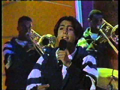 salserin en sabado gigante - de sol a sol: Otro musical de salserin con Don Francisco en el programa de sabado gigante.............una observacion.... renny se confundio de la letra de la cancion .observenlo..............