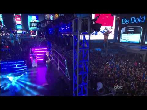 Pitbull - Live NEW YORK TIME SQUARE