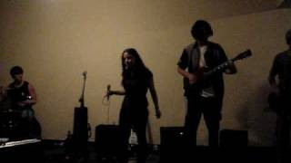 Arctic Monkeys - I Bet You Look Good On The Dancefloor (Cover by Peach Pie)