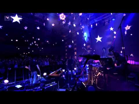Coldplay 'A Sky Full of Stars' In Concert for Radio 2