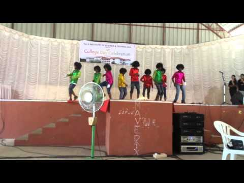 College Day Dance performance by Toc H IT students 2016