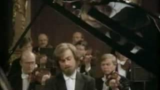 Zimerman - Beethoven, Piano Concerto No. 5 - III Rondo (1/2)