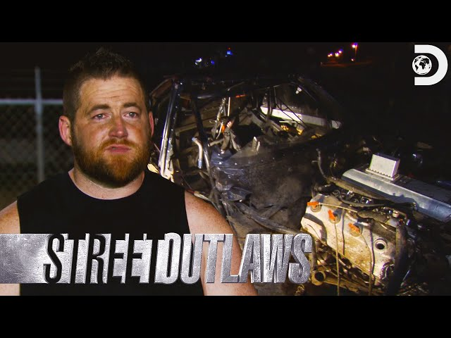 Race Replay: Kamikaze Crashes the El Camino | Street Outlaws