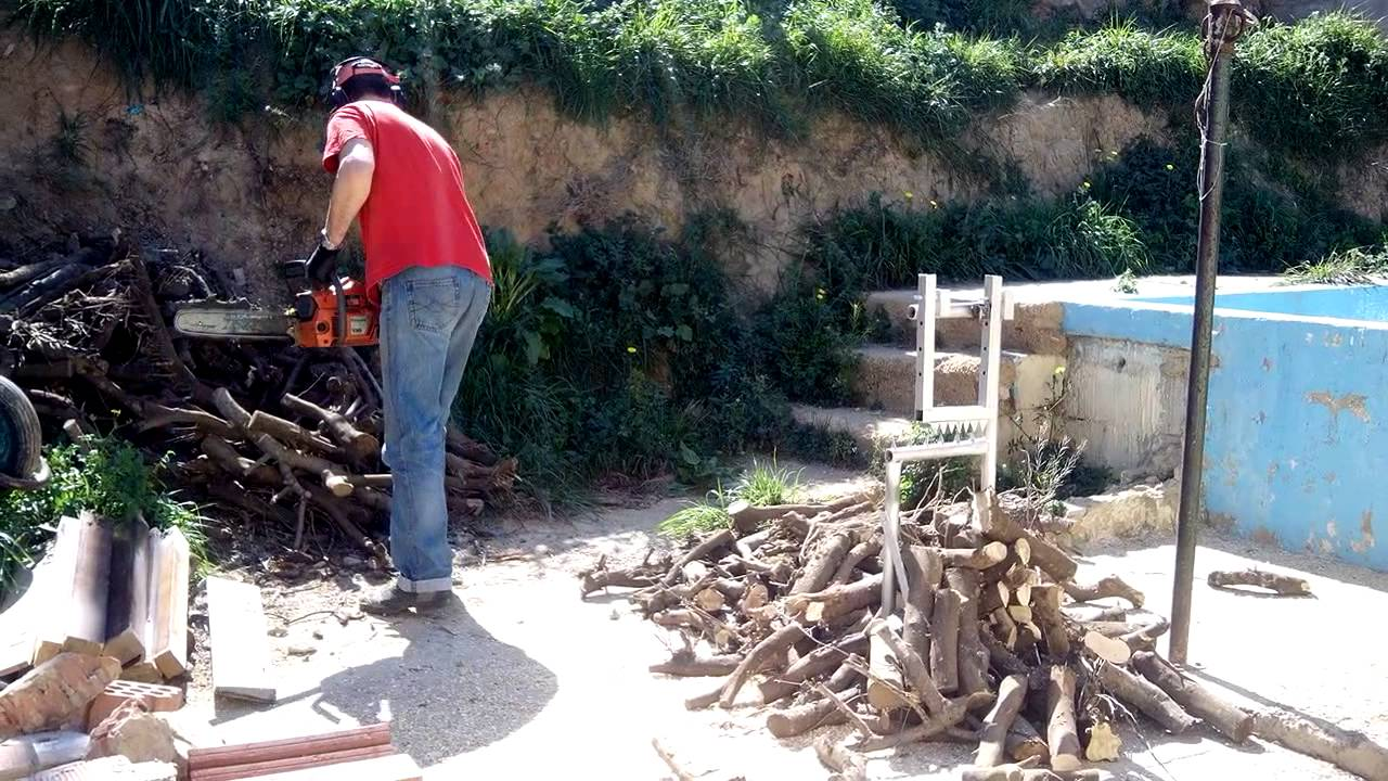 Soporte para cortar le a casero youtube for Maquina de astillar lena