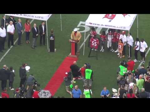 Derrick Brooks inducted into Ring of Honor