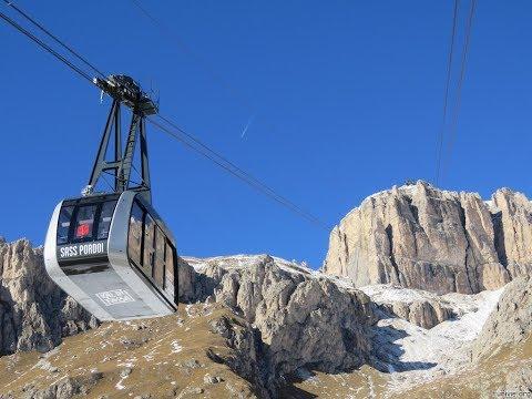 Salita in funivia sul Sass Pordoi (2950 m) con panorama mozzafiato - Ascent by cableway