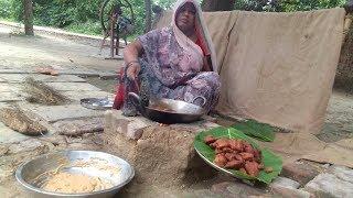 बारिश के मौसम में बनाये गाँव का ये लाजवाब नास्ता , INDIAN FAMOUS VILLAGE NASTA RECIPE IN HINDI 2018.