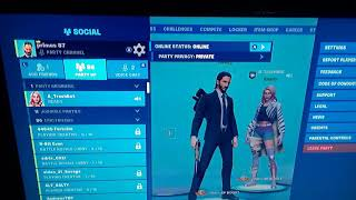 How to moke your party lobby in fortnite private