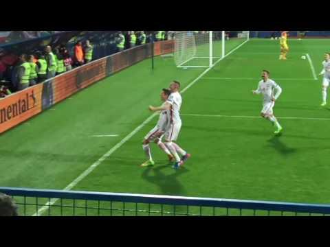 Robert Lewandowski free kick vs Montenegro